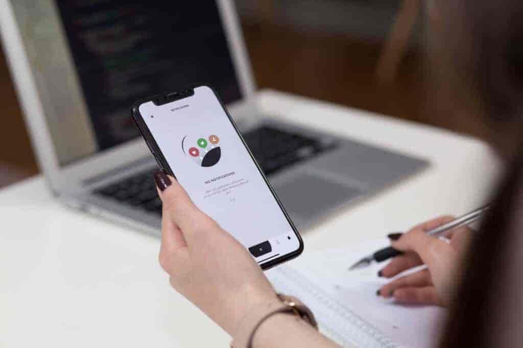 Daftar Fintech Pinjaman Online Ilegal Terbaru Kasus Resiko Cara